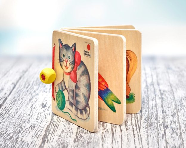 Holz Bilderbuch mit Katze, Vogel und Pferd