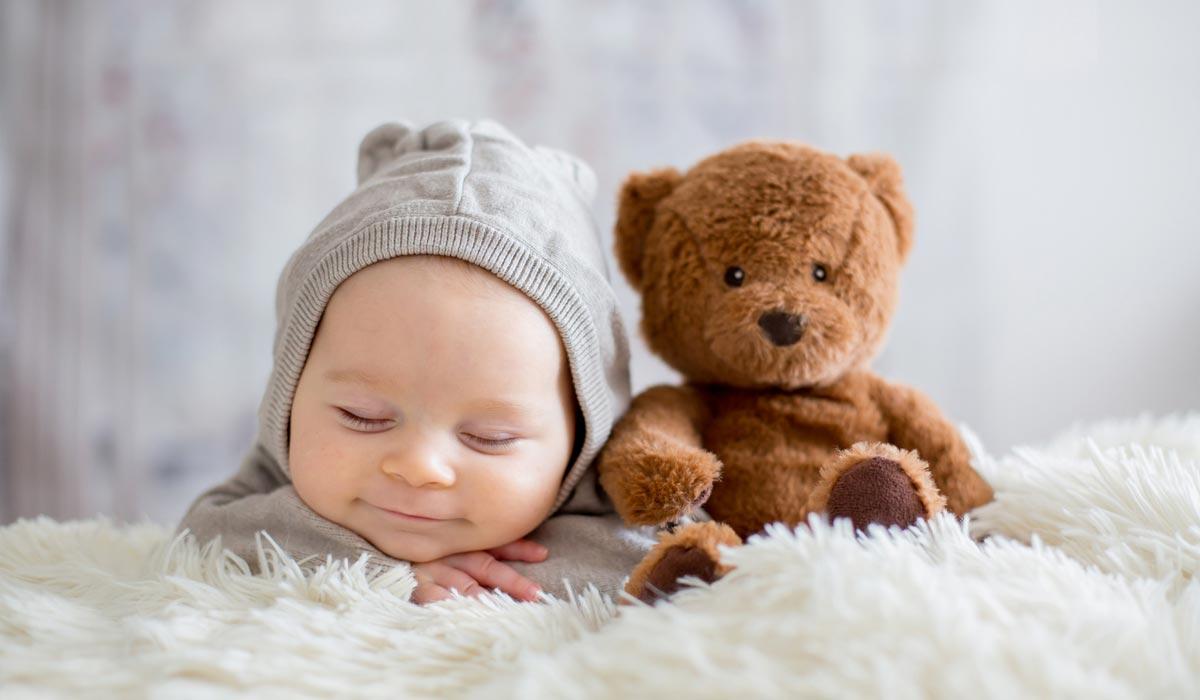 Brauchen Babys In Den Ersten Sechs Monaten Spielzeug