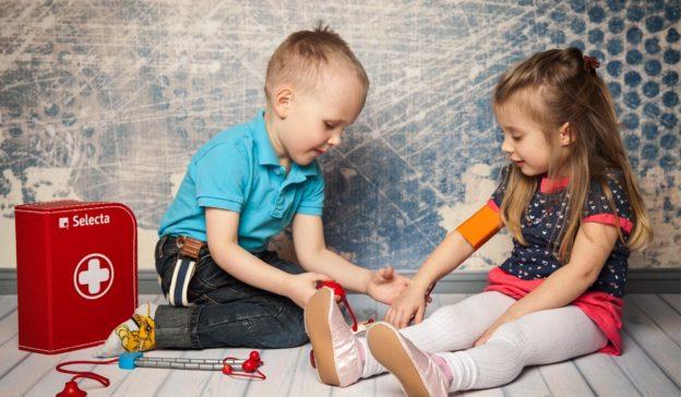 Spielen mit Kleinkindern: Gemeinsame Freude am Rollenspiel