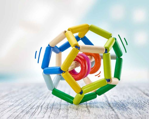 Holz bunter Greifling Ball mit klappernden Ringen in der Mitte