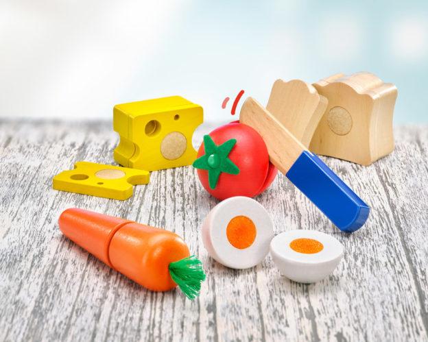 Holz bunte Klettspielsteine Brotzeit, Brot, Käse, Tomate, Karotte, Ei und Messer