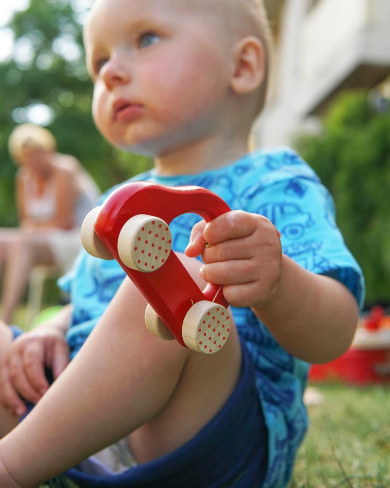 64007 Kleine Flitzer rot Holzspielzeug Emotionen