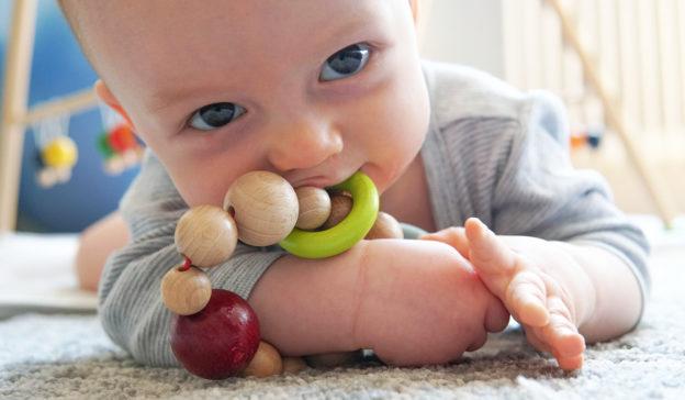 Babys sehen Ratgeber: Was sieht ein Baby?