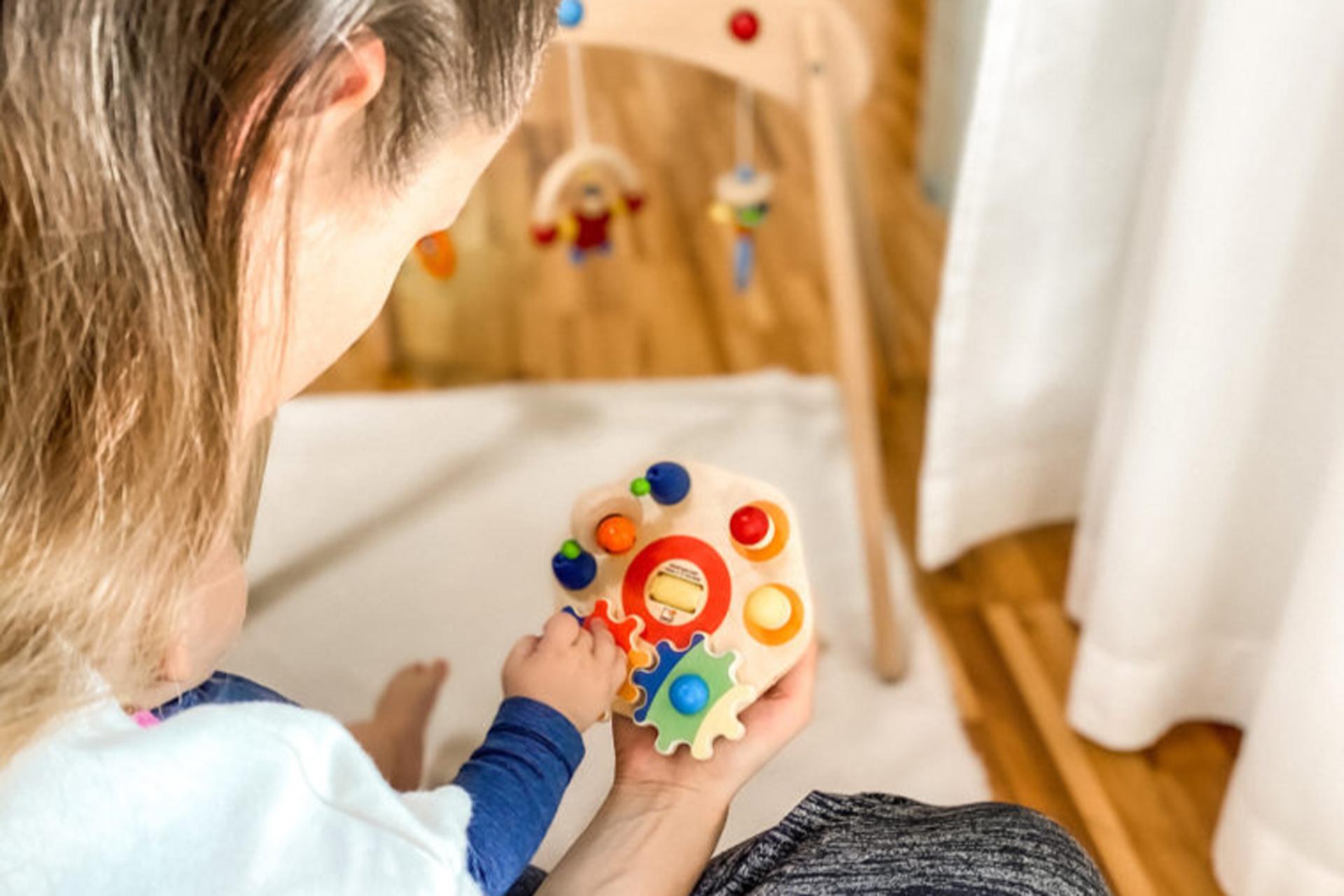 Kindespielzeug: Titelfoto Richtiges Spielzeug finden für Kinder: Minitivity von Selecta®